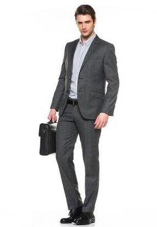 В широком ассортименте мужских костюмов представлены модели от эконом- до бизнес-класса, идеально подходящие для свадьбы, корпоратива, работы, словом